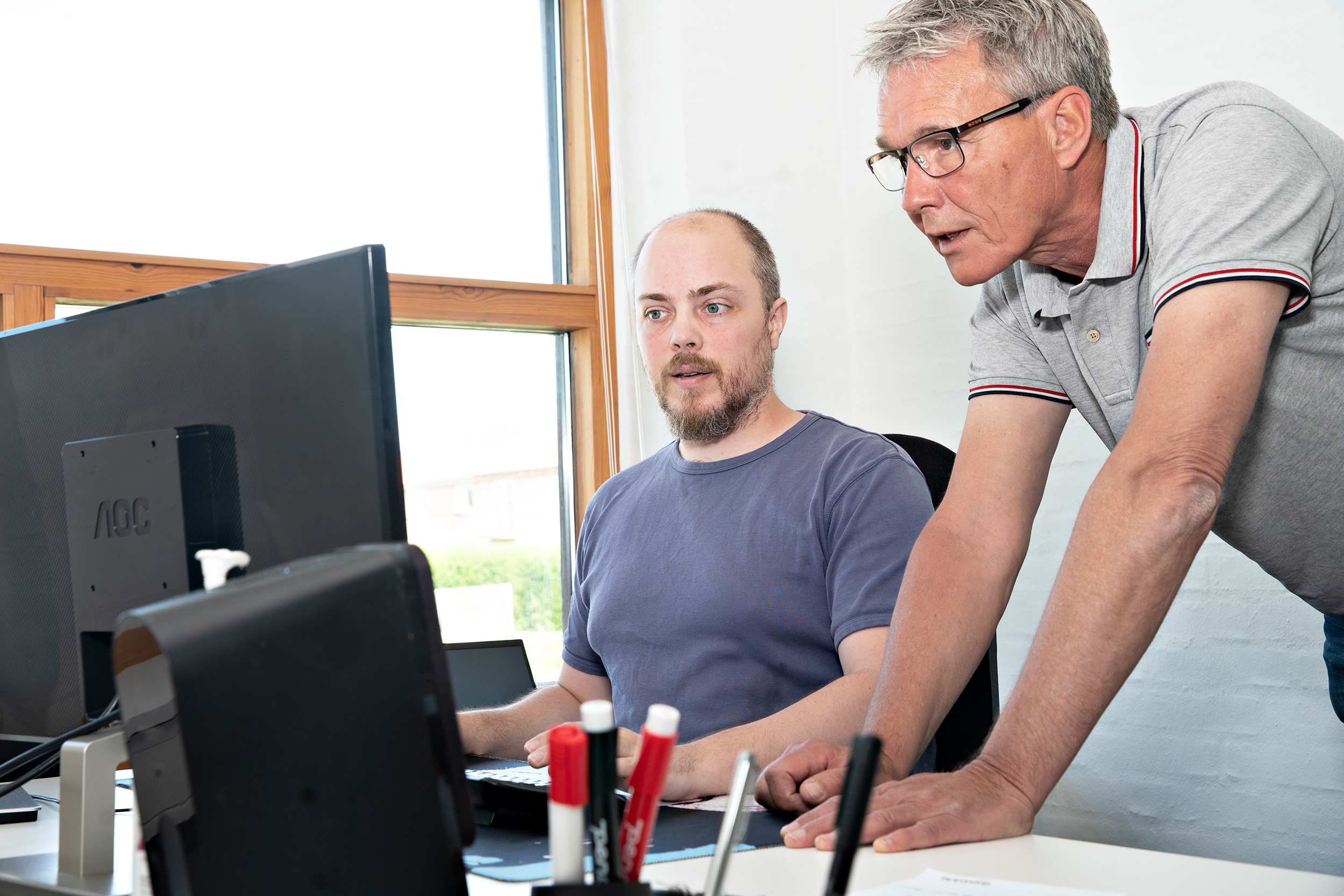Jan Mand Thomsen ved computer